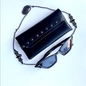 sunglasses black frame with Swarovski crystal